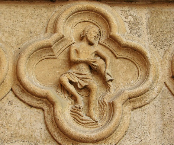zodiac-horoscope-aquarius-Cathedral-d-Amiens-Vassil-sign
