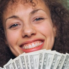 0210_woman-money-lottery-winner_400x4001-300x300111
